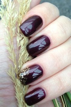 Inspirational photo by Kathryn Krystyna. CND No chip with glitter design @Bloom.com