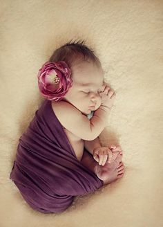 40 Beautiful Examples of New Born Photography   Photography   Design Magazine