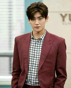So handsome - Park Hyung Sik Park Hyung Sik, Cute Korean, Korean Men, Strong Girls, Strong Women, Asian Actors, Korean Actors, Ahn Min Hyuk, K Pop
