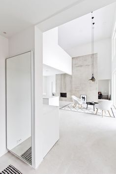 Find your favorite Minimalist living room photos here. Browse through images of inspiring Minimalist living room ideas to create your perfect home. Monochrome Interior, Black And White Interior, White Interior Design, Minimalist Interior, Minimalist Home, Interior Design Inspiration, Minimalist Design, Black White, Scandinavian Modern Interior