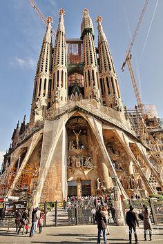 Sagrada Familia REf.:25112012-HDR_IMG_6634   Barcelona Airport  Arrival Shuttle Transfer ! Excursions specialist in Barcelona Excursions specialist in Barcelona, Costa Brava & Catalunya. Vacation