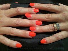Follie per le tue unghie su www.elleerrenails.com Solo prodotti di produzione Europea. Ricostruzione unghie con monofasico mxm, gel colorato e polvere glitter #nailart #ricostruzioneunghie #geluv #unghiedecorate #elleerrenails