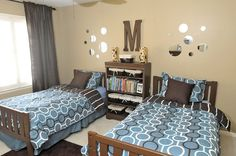I like these colors for jack's room