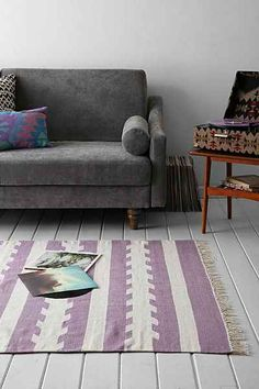 4040 Locust Washed Arrow Woven Rug - Urban Outfitters