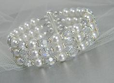 Hey, I found this really awesome Etsy listing at https://www.etsy.com/listing/67512298/bridal-pearl-bracelet-swarovski-pearls