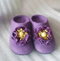Women house shoes felted wool slippers flat by NagornayaFelt