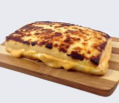 The Cheese Grilled Cheese Sandwich - made with Bread Cheese. Perfect for low-carb high fat diets such as Atkins/Paleo/Ketogenic. I'll be trying this immediately and enjoying the delicious weight loss. Low Carb Sandwiches, Wrap Sandwiches, Atkins, Low Carb Recipes, Cooking Recipes, Skillet Recipes, Ultimate Grilled Cheese, Dude Food, Low Carb Bread