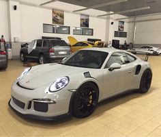 Porsche 991 GT3 RS painted in Paint to Sample Fashion Grey Photo taken by: @ptsrs on Instagram (@thecaraba on Instagram is the owner of the car)