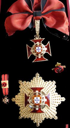 Military Signs, Military Orders, Portuguese Empire, Military Decorations, Grand Cross, Templer, Asian History, British History, Collar Designs