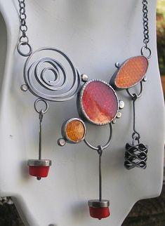 Červené kouzlení (korál, perleť, perly) / Zboží prodejce al Enamel Jewelry, Clay Jewelry, Stone Jewelry, Metal Jewelry, Pendant Jewelry, Jewelry Crafts, Jewelry Art, Beaded Jewelry, Silver Jewelry