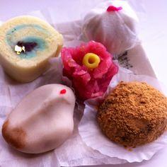 Japanese sweets Japanese Sweets, Doughnut, Desserts, Food, Japanese Candy, Tailgate Desserts, Deserts, Essen, Japanese Sweet