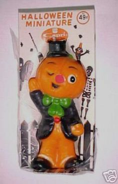 Up for auction is a very cute Capri Pumpkin Man Candle from 1965 . This unique candle is in the shape of a dressed up pumpkin man - perfect for your Halloween decorating. He measures approximately 5 Halloween Candles, Halloween 2, Halloween Season, Vintage Halloween, Halloween Decorations, Vintage Fall, Vintage Holiday, Pumpkin Man, Unique Candles