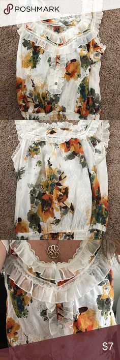 Women's Floral Top This top is in excellent condition. Cleaning out my closet. Size Medium. Tops Blouses