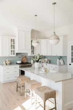 Mar 4, 2020 - Let's Build Your Dream Home 〉 Let's Build Your Dream Home! Learn More Explore Oakstone Available Lots 〉 Home Decor Kitchen, Kitchen Interior, New Kitchen, Home Interior Design, Interior Modern, Kitchen Dining, Kitchen Tools, Kitchen Island Stools, Simple Kitchen Design