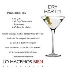 Dry Martini Recipe: How to prepare a Dry Martini Drinks Alcohol Recipes, Fruit Drinks, Bar Drinks, Cocktail Drinks, Cocktail Recipes, Alcoholic Drinks, Beverages, Martini Party, Martinis
