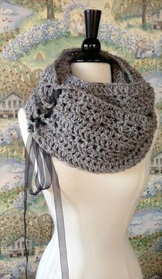 Brown Crochet #Cowl #Pattern For Girls - 10 Unique and #Free Crochet Cowl…