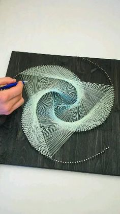 Wall Art Crafts, Diy Crafts For Home Decor, Handmade Crafts, Arts And Crafts, String Art Templates, String Art Tutorials, String Art Patterns, String Wall Art, Nail String Art