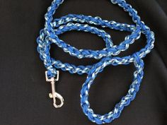 Customizable Paracord Dog Leash with Adjustable Handle (your choice of 2 colors)
