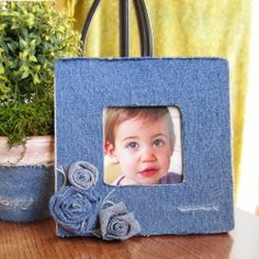 Easily create this adorable frame, flower pot and denim rosettes.