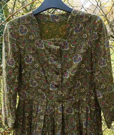 Vintage Cotton Paisley Kashmir Prairie Bavarian Dress Green SIze S Vintage Cotton, Green Dress, Paisley, Shirt Dress, Skirts, Sleeves, Mens Tops, Fashion, Green Gown