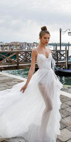 lace sweetheart spaghetti strap neckline julie vino wedding dresses / http://www.deerpearlflowers.com/best-wedding-dresses-2018/8/