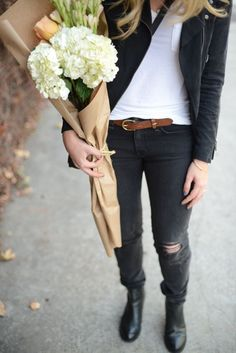 I love ragged skinny jeans, especially black ones. and can I just add how much I love seeing people walking around town carrying flowers. always brings a smile to my face ;)