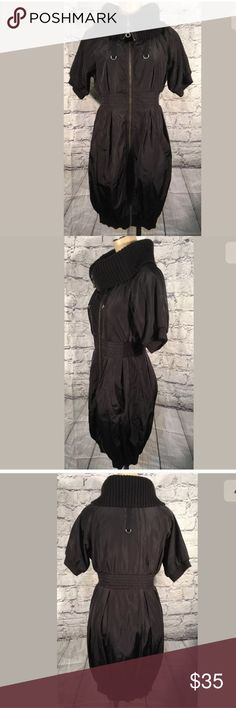 Anthropologie Moreno parachute jacket dress Sz S Anthropologie by Monoreno Super street cool parka dress!! Puffy gathered hem and sleeves Nylon parachute feel fabric Metal hardware So amazing for Winter!! Sz S Clean and ready to ship Anthropologie Jackets & Coats Puffers