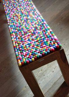 Filzkugelteppich Sitzkissen Bank 40x160 cm von ALPENALPAKAS auf DaWanda.com