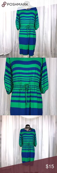 EUC CALVIN KLEIN WOMENS DRESS SIZE 4 stretch 💚💙 Super comfortable and perfect for summer!!  I'm Selling an entire wardrobe so check out my closet!  From high level executive to stay at home mom ❤️ no need for this beautiful clothing. Calvin Klein Dresses