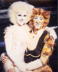 Victoria and Skimbleshanks from the CATS Tour