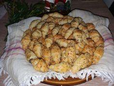 cornulete aperitiv cu branza (14) Shrimp, Potatoes, Meat, Chicken, Vegetables, Food, Potato, Essen, Vegetable Recipes