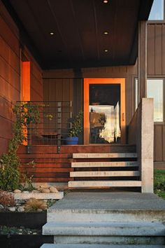 Phinney - contemporary - entry - seattle - lewis + smith
