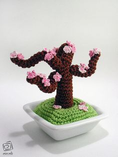 Cute amigurumi bonsai tree!