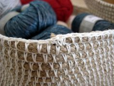 Crochet Rope Basket - Free Pattern from Make My Day Creative. Crochet Rope, Crochet Yarn, Crochet Stitches, Crochet Hooks, Rope Basket, Basket Weaving, Crochet Basket Pattern, Crochet Patterns, Crochet Storage