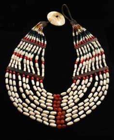 India | Necklace from Nagaland made up of carnelian, glass beads, shell and wood | ca. early 1900s | 500€ ~ Sold
