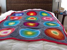 Bullseye Crochet throw by DeepSeaPurl, via Flickr  This almost makes me want to learn to crochet!