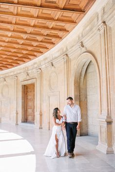 Photoshoot Alhambra Granada Spain - Pre wedding, Engagement, Wedding photography & videography in Europe Spanish Wedding, Granada Spain, Cruise Wedding, Wedding Abroad, Wedding Photography And Videography, Pre Wedding Photoshoot, Destination Wedding Photographer, Wedding Engagement, Europe