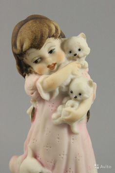 Статуэтка Джузеппе Армани Girl Holding Kittens купить в Москве на Avito — Объявления на сайте Avito