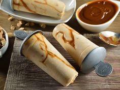 Receta de Paleta Helada de Yoghurt con Dulce de Leche Mexican Food Recipes, Sweet Recipes, Dessert Recipes, Delicious Desserts, Yummy Food, Tasty, Ice Cream Pops, Cream Cups, Popsicle Recipes
