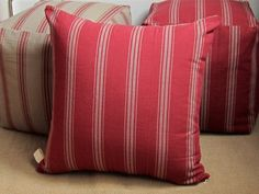 Create a space where friends want to come hang with this grain sack floor pillow: double face, unusual colors, rustic and funny. The fabric is a new reproduction of french grain sack fabric, it is woven, the stripes are not overdyed, the colors are new and unusual: tan with dark red stripes and deep red with tan stripes. 100% cotton medium-heavy weight.  Measures: 22x22 or 55x55cm.  I accept custom orders for this fabric. Please convo me, it can be ready in 7-8 days. Zipper on the bottom…