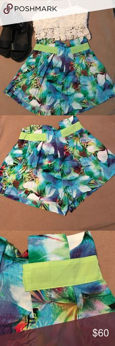 LF INDIKAH BNWT Tropical High Waist Soft Shorts Sm Obsess time - brand new with tags Indikah soft shorts from LF! Gorge jungle print with lime green accents. High waisted with a zip closure at the back. Listed as an 8 (Australian) fits XS to Small. LF Shorts