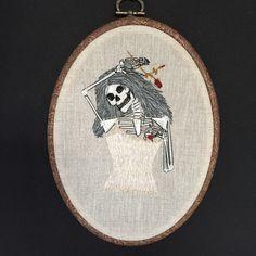 Een persoonlijke favoriet uit mijn Etsy shop https://www.etsy.com/listing/269559783/embroidery-hoop-skeleton-bride
