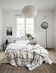 Scandinavian Interior Design is known for its simplicity, coziness, balance of aesthetics and functionality. Dream Bedroom, Home Bedroom, Bedroom Decor, Bedroom Lighting, Bedrooms, Bedroom Ideas, Winter Bedroom, Bedroom Inspo, Design Bedroom