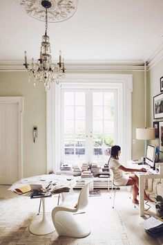 Décor Inspiraiton | A This Is Glamorous Round-up : a slideshow featuring 10 beautiful office spaces from past articles, including Roseline's own home office