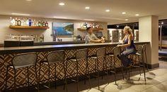 Hilton Garden Inn Waikiki Beach Hotel, HI - Hotel Bar