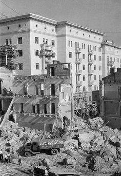 Reconstruction of Gorky Street. Moscow, 1935. Photo by Arkady Shaikhet.