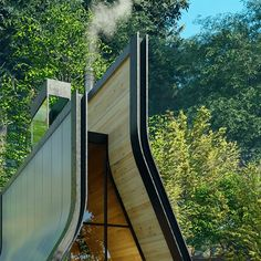 This cabin blends the traditional A-frame structure with contemporary architectural details! – Yanko Design A Frame Cabin, A Frame House, Raised House, Contemporary Cabin, Contemporary Architecture, Cabin In The Woods, Wooden Cabins, Roof Design, Cabin Design