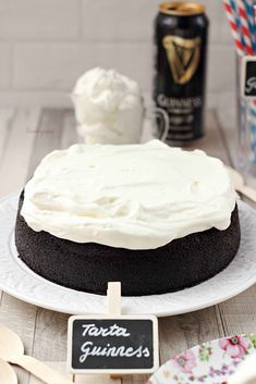 Guinness, Yummy Food, Chocolate, Cake, Desserts, Crack Cake, New Recipes, Eating Clean, Tailgate Desserts
