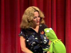 Madeline Kahn & Kermit on The Muppet Show Madeline Kahn, Jim Nabors, Fraggle Rock, The Muppet Show, Kermit The Frog, Jim Henson, Celebrity Portraits, Kids Shows, Having A Crush