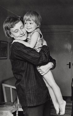 Astrid Lindgren och Kajsa Dandenell (Skrållan).